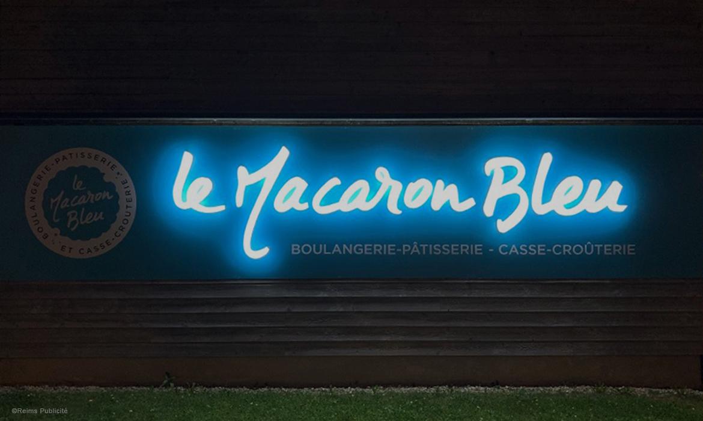Le Macaron Bleu